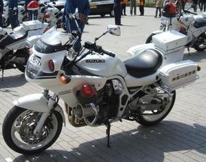 Suzuki_gsf1200p